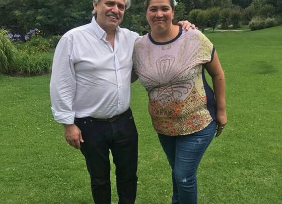 La diputada Alejandra Cejas con Alberto Fernández.