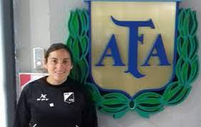 La mujer se empodera del fútbol de la Liga Salteña. Empieza el torneo oficial.
