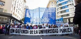 CONADU reclama aumento salarial de docentes universitarios igual que inflación.
